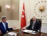 """تركيا تشارك بالحرب على """"داعش"""" مقابل منع قيام دولة كردية بسوريا والعراق"""