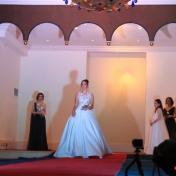 بالفيديو : عرض ازياء متميز يظهر المرأة الفلسطينية العصرية للمصمم يزن زيت ويعكس حضور فلسطيني بمجال الازياء عالميا