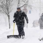 عاصفة ثلجية تجتاح شرق أمريكا