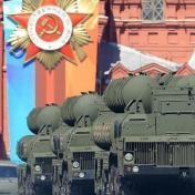 """سرعتها تفوق سرعة الصوت بـ20 مرة.. روسيا تعلن اتمام تطوير صواريخ """"أفانغارد"""" العابرة للقارات"""