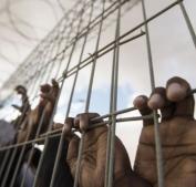 أحدهم رزق بتوأم من نطفة مهربة.. 4 أسرى يدخلون أعوامًا جديدة في سجون الاحتلال