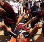 إصابات بالرصاص وبالاختناق على حدود قطاع غزة