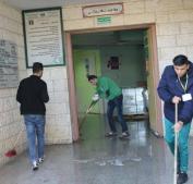 صور.. المبادرات الشبابية تواصل حملات تنظيف مستشفيات غزة