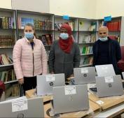 مؤسسة فيصل الحسيني تسلم 151 جهاز حاسوب لـ 14 مدرسة منذ انطلاق مشروع اشتر/ي زمناً لمدارس القدس
