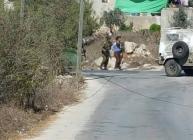 الخليل: اعتقال طفل بزعم محاولته طعن ضابط في جيش الاحتلال