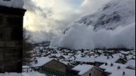 ارتفاع عدد قتلى الانهيار الجليدي في إيطاليا