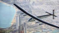 """طائرة """"سولار إمبالس 2"""" تحط في أبو ظبي متممة جولة غير مسبوقة حول العالم"""