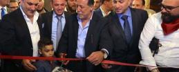 صور.. افتتاح أكبر مطعم في فلسطين