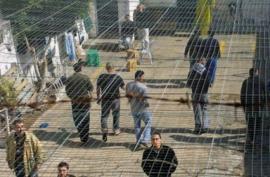 الاحتلال يسرق مخصصات الأسرى والشهداء!