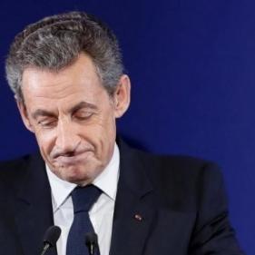 ساركوزي تحت المراقبة القضائية بعد اتهامه بالفساد
