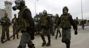 """إصابة 61 أسيرا جراء اقتحام قوات الإحتلال سجن """"نفحة"""""""
