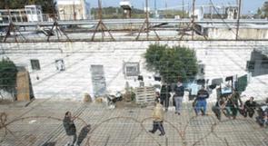 """الاحتلال يواصل اعتداءاته على اسرى """"ريمون"""" بسبب اضرابهم عن الطعام"""