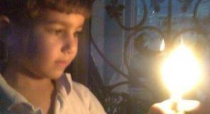 """نابلس: طفل يجمع 2100 دولار ويتبرع بكل حسابه لأطفال """"اليرموك"""""""