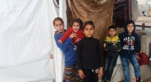 خيمة على رصيف اخر مآوى للمواطن فضل الديري واطفاله