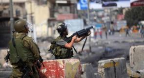 اندلاع مواجهات مع الاحتلال بمنطقة باب الزاوية وسط الخليل