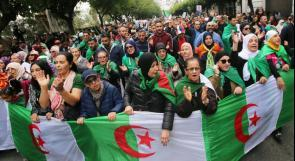الجزائريون يصوتون لاختيار رئيس الجمهورية