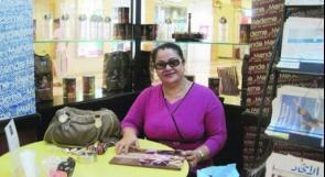 السلطات الإماراتية تمنع كاتبة إماراتية من السفر لرفضها التطبيع مع الاحتلال