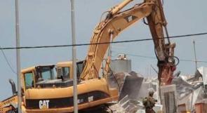 قوات الاحتلال تخطر بهدم منشآت في الأغوار