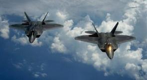 مقاتلتان روسيتان تعترضان قاذفتين أمريكيتين فوق البحر الأسود