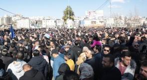 الآلاف يعتصمون أمام مقر مؤسسة الضمان ويصرخون: فليسقط قانون الضمان الاجتماعي