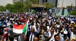 دعوات لإسقاط المجلس العسكري الانتقالي في السودان بعد ارتفاع عدد القتلى الى12