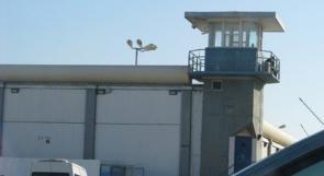 حريق في 'كيدار'  يوقع  19 إصابة بين السجناء والشرطة