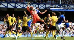 """ليفربول يحقق انتصاره الثاني على التوالي ويعتلي قمة """"البريميرليغ"""""""