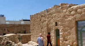 الترميم يعيد الحياة إلى بيوت عمرها مئات السنوات في السموع