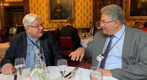 رئيس إتحاد الجامعات البريطانية المستقلة يستضيف أبوكشك في البرلمان البريطاني لبحث التعاون
