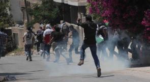 """إصابة متضامن أجنبي بعيار """"مطاطي"""" خلال قمع الاحتلال لمسيرة كفر قدوم"""