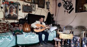 معاناته في تعلم الموسيقى في طفولته دفعته لتحويل منزله إلى معهد موسيقي