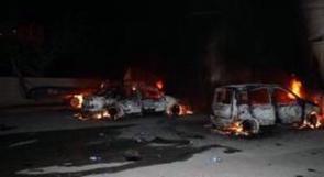 مستوطنون يحرقون مركبتين قرب القدس