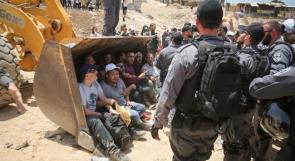 مراسلنا: الاحتلال يحاصر الخان الاحمر ويمنع دخول الصحفيين والمواطنيين