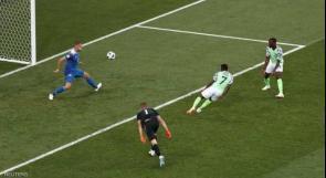 """نيجيريا تباغت أيسلندا وتمنح """"طوق النجاة"""" للأرجنتين"""