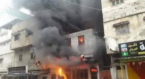 النيران تلتهم محلاً لإطارات السيارات بحي الشجاعية