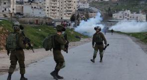 إصابة شابين بقنبلتي غاز في الأطراف إثر قمع الاحتلال مسيرة كفر قدوم