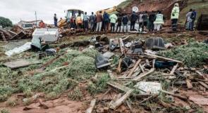 مقتل أكثر من 60 شخصا جراء الفيضانات والانهيارات الطينية في جنوب أفريقيا