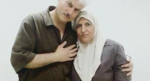 لقاء منتظر منذ 16 عاماً تجلى في 4 دقائق.. الأسير عباس السيد يلتقي زوجته