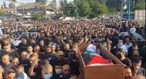الآلاف يشيعون جثمان الشهيد حسونة في مدينة اللد المحتلة