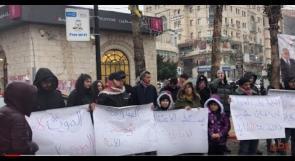 شبان وسط رام الله يرفعون الصوت لنصرة الاسير احمد زهران ورفضا للعدوان الامريكي على العراق