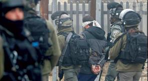 """إعلام عبري: اعتقالات """"إسرائيل"""" لعناصر حماس بالضفة بسبب تقاربها مع فتح"""