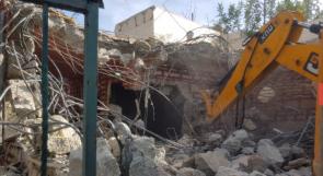 الاحتلال يجبر المواطن فواز أبو حماد على هدم منزله في بيت حنينا
