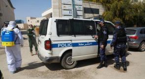 الشرطة تغلق 36 محل تجاري لعدم إلتزام أصحابها بحالة الطوارئ في جنين