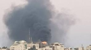 حريق على سطح عمارة قيد الانشاء وسط رام الله