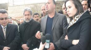 """عشرات الصحفيين يعتصمون تضامنا مع """"وطن"""""""