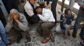 بالصور.. الإحتلال يقصف غزة والمواطنون يشيعون الشهداء