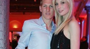 بالصور.. خطيبة الاعب الألماني شفاينشتايجر ملكة جمال زوجات وصديقات لاعبي اليورو