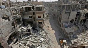 تواصل أعمال إزالة الأنقاض والركام من مخيم اليرموك بدمشق
