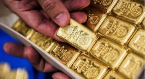 الذهب يقفز 1 % نتيجة شكوك التعافي والانتخابات الأميركية