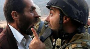 تصدي المعتصمين لقوات الاحتلال في الخان الاحمر